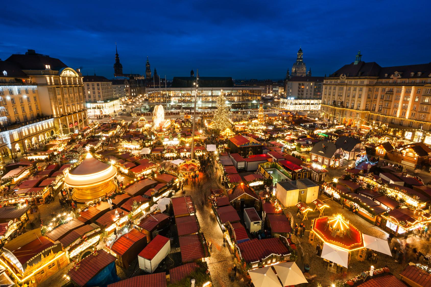 Dresden striezelmarkt franitza reisen for Hotels in dresden zentrum